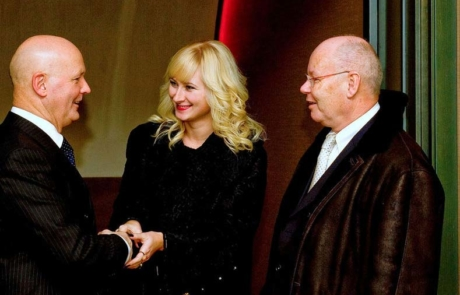 Senator Dr. Mag. Ernst Madlener Honorarkonsul Moldavien und Frau Xenia Liuticova