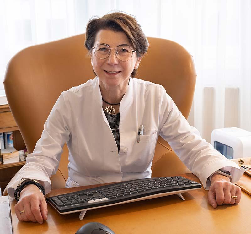 Frau MR Dr med Hermine Reindl